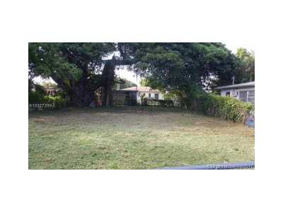 Miami Gardens Single Family Home Active-Available: 2971 Northwest 51