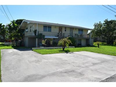 Davie Multi Family Home Active-Available: 4230 Southwest 73rd Ter