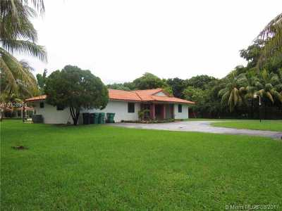 Miami Single Family Home Active-Available: 11877 Southwest 47th St