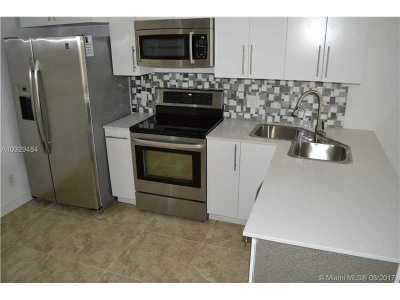 Royal Palm Beach Condo For Sale: 12009 Poinciana Blvd #103