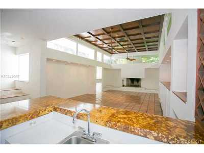 Miami Shores Single Family Home Active-Available: 975 Northeast 94 St