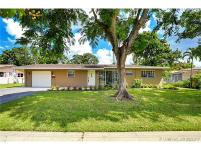 Plantation Single Family Home Active-Available: 5385 Pine Ter