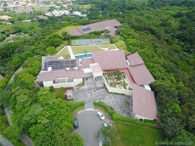 Dania Beach Single Family Home For Sale: Eco Residencial Villa Real