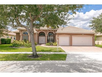 Pembroke Pines Single Family Home Active-Available: 1334 Northwest 139th Ter
