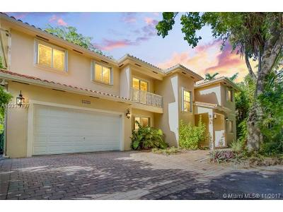 South Miami Single Family Home Active-Available: 6602 Mimosa Ct