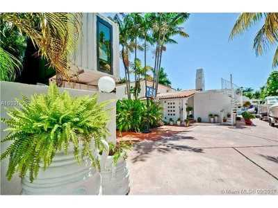 Miami-Dade County Single Family Home Active-Available: 922 Northeast 78 St