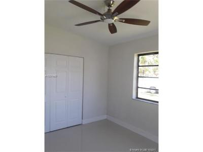 Miami Single Family Home Active-Available: 10740 Southwest 43rd Te