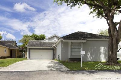 Doral Single Family Home For Sale: 4765 NW 99th Pl