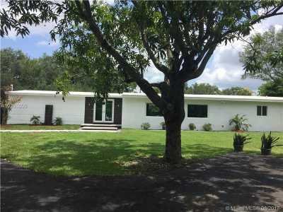 Palmetto Bay Single Family Home Active-Available: 7425 Southwest 152nd St