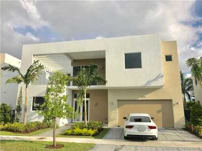 Doral Single Family Home For Sale: 10128 NW 74