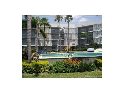 Miami Condo Active-Available: 875 Northeast 195th St #415