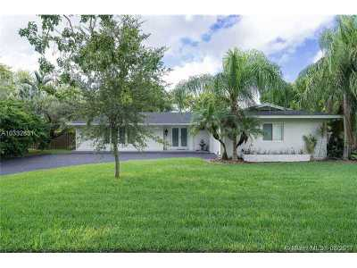 Palmetto Bay Single Family Home Active-Available: 8400 Southwest 140th St