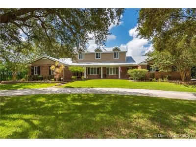 Southwest Ranches Single Family Home Active-Available: 14920 Foxheath Dr