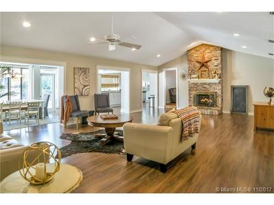 Hollywood Single Family Home Active-Available: 3011 North 34th St