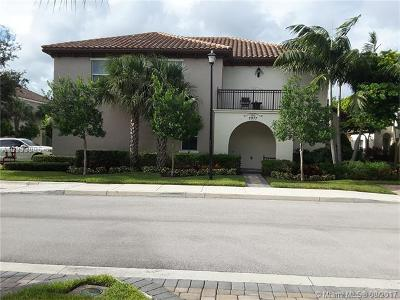 Cooper City Condo Active-Available: 2977 St. John St #2977