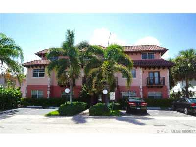 Lauderdale By The Sea Condo For Sale: 4525 Poinciana St #9
