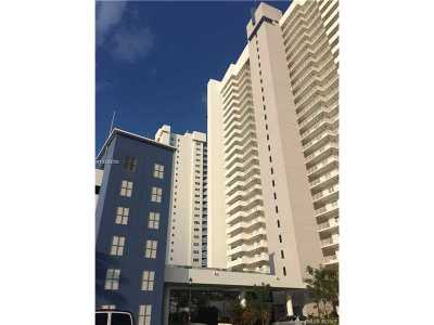 North Miami Condo Active-Available: 15051 Royal Oaks Ln #2406