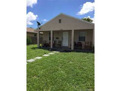 Hollywood Single Family Home Active-Available: 5550 Wiley St