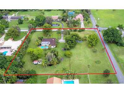 Heritage Estates At, Fla Fruit Land Co Sub No, Five Gs 93-10 B, Keysers Plat, Plantation Acres Estates, Plantation Acres, Plantation Acres South Single Family Home Active-Available: 11850 Northwest 8th St