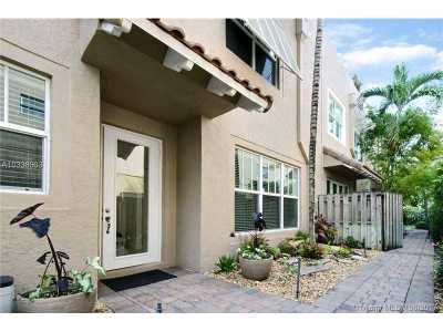 Fort Lauderdale Condo For Sale: 1120 NE 1st St #1120