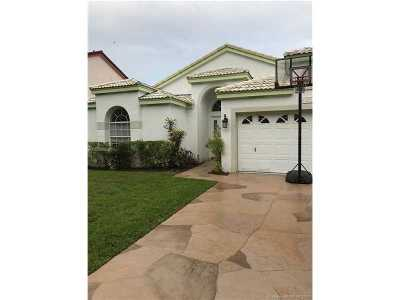 Cooper City Single Family Home For Sale: 2715 Cayenne Ave