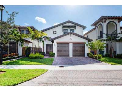 Doral Single Family Home For Sale: 8708 NW 103rd Ave