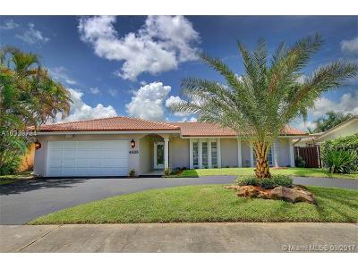 Hollywood Single Family Home Active-Available: 4938 Sarazen Dr