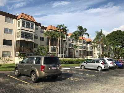 Plantation Condo Active-Available: 7100 Northwest 17th St #309