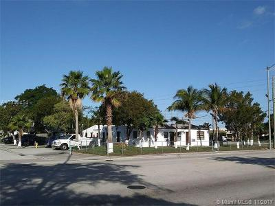 West Palm Beach Multi Family Home For Sale: 5901 Broadway