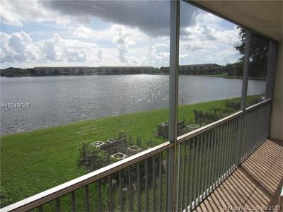 Pembroke Pines Condo Active-Available: 1401 Southwest 134th Way #210C