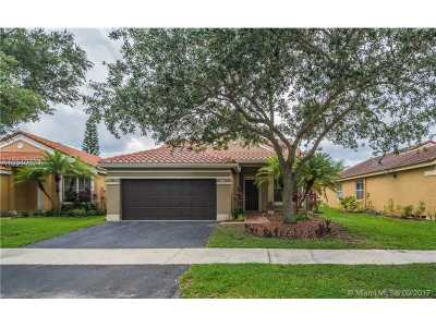 Broward County Single Family Home Active-Available: 805 Falling Water Rd