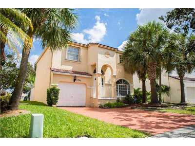 Pembroke Pines Single Family Home Active-Available: 15721 Northwest 7th St