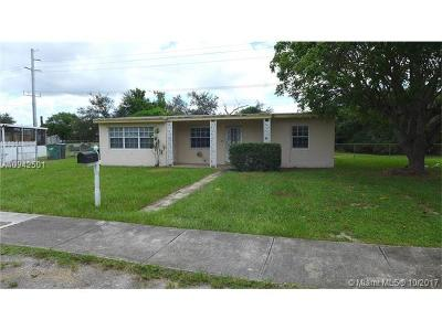 Miami Gardens Single Family Home For Sale: 16211 NW 19th Ave