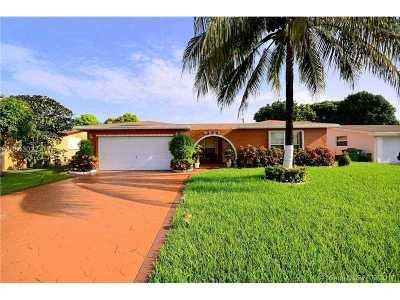 Miramar Single Family Home Active-Available: 8625 Wilshire Dr