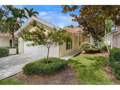 Delray Beach Single Family Home For Sale: 2040 Valencia Dr