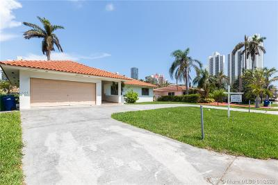 Sunny Isles Beach Single Family Home For Sale: 261 191st St