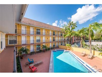 Coconut Grove Condo For Sale: 3245 Virginia St #37