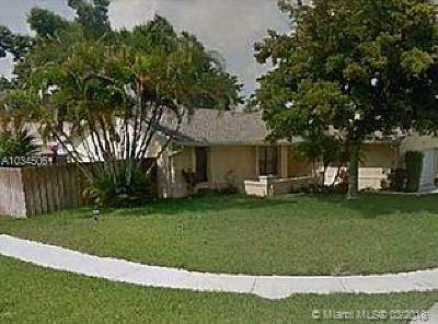 Deerfield Beach Single Family Home Active With Contract: 4257 NW 6th St