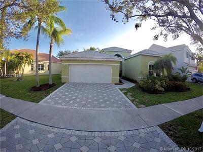 Weston Single Family Home For Sale: 1173 Falls Blvd