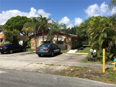 Dania Beach Multi Family Home For Sale: 234 SW SW 4th St