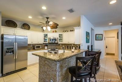 Doral Single Family Home For Sale: 9441 NW 45th St