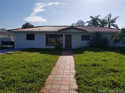 North Miami Single Family Home For Sale: 12921 Auralia Rd
