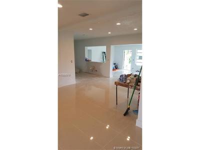 Miami Shores Single Family Home For Sale: 9425 N Miami Ave
