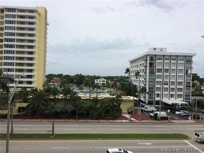 Miami Beach Condo For Sale: 5601 Collins Av #520