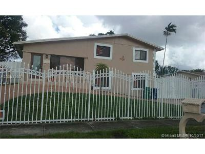 Miami Gardens Single Family Home For Sale: 18535 NW 38th Ave