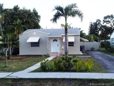 Hollywood Single Family Home For Sale: 2722 Fillmore St