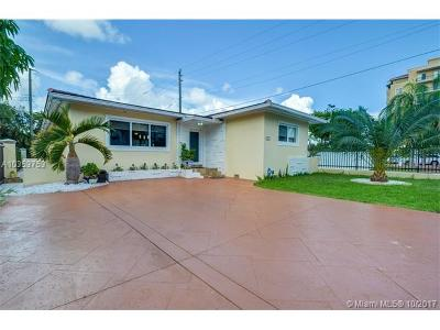 Coral Gables Single Family Home For Sale: 15 Santander Ave