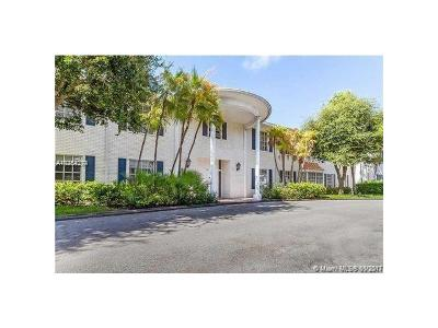 Fort Lauderdale Condo For Sale: 2221 NE 68th St #922