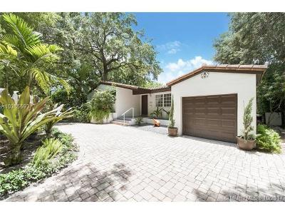 Coral Gables Single Family Home For Sale: 5530 S Le Jeune Rd