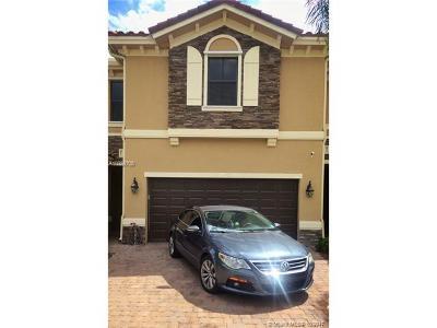 Davie Single Family Home For Sale: 12380 N Village Cir